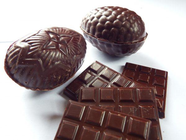 100% cocoa mini bars and eggs